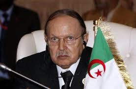 Le président algérien <b>Abdelaziz Bouteflika</b> le 29 novembre 2010 au sommet <b>...</b> - 94570_le-president-algerien-abdelaziz-bouteflika-le-29-novembre-2010-au-sommet-afrique-union-europeenne
