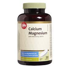 Life Brand <b>Calcium Magnesium with Vitamin</b> D3 200IU Caplets ...
