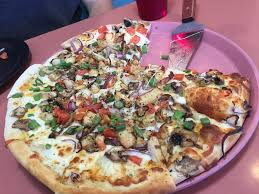 photo of round table pizza fairfield ca united states large en amp