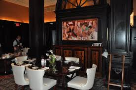 the algonquin hotel times square autograph collection the round table and mural