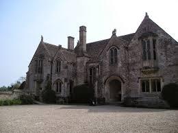 Edie Faulkner - Manor house interiors