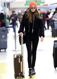 Cute winter women airport outfits ideas Jeans Gigi Hadid Instyle Celebrityinspired Outfits To Wear On Plane Instylecom