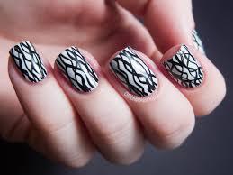 31DC2012: Day 07, Black and White Nails | Chalkboard Nails | Nail ...