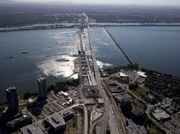 Montreal Firefighters Rescue Woman On Champlain Bridge Montreal