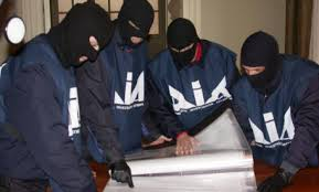 Risultati immagini per immagine di arrestati scommesse on line