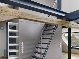 Eine bodentreppe, auch speichertreppe genannt, wird bei bedarf ausgeklappt. Bodentreppe Als Platzsparender Zugang Zum Dachboden Bauemotion De