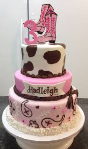 Cowgirl Birthday Decorations 17 Best Ideas About Cowgirl Cakes On Pinterest Country Birthday
