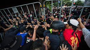 Thailand protests: Government announces emergency decree to quell  pro-democracy demonstrations - CNN