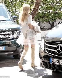 Blond teen panties flashing upskirt