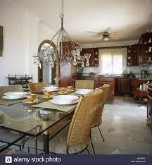 Ein Land Das Esszimmer Auf Eine Küche Ein Kronleuchter Ein