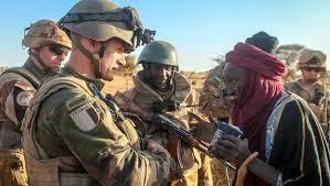 Mali ka fasojamana ߡߊߟߌ ߞߊ ߝߊߛߏߖߊߡߊߣߊ (bambara). Mali Am Abgrund Funf Jahre Militarintervention Blatter Fur Deutsche Und Internationale Politik