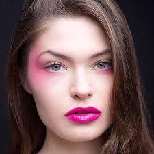 purple lip color for spring makeup idea