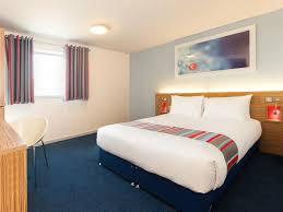 London Wallpaper Bedroom Travelodge London Vauxhall Hotel London Vauxhall Hotels