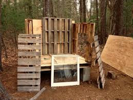 pallet building plans. a basic pallet chicken coop can be made using woods and plastic glass sheet. after measuring cutting the in desired shape, start attaching building plans