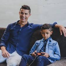 Cristiano Ronaldo - Instagram photos and videos | Cristano ronaldo, Ronaldo  junior, Ronaldo hair