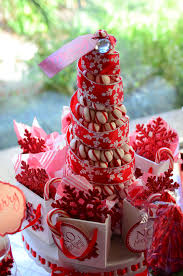 red and white christmas candy centerpiece