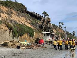 Encinitas Tide Chart 2017 Three Killed And Two Others Injured After Cliff Collapses In