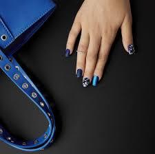 Ardell Umělé Nehty Modré Metalické A Perleťové Se Vzory V Mixu Sada S Lepidlem Squared Oval Nail Addict Matte Blue 2g