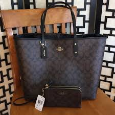 RESERVED Coach Signature City tote w  wristlet