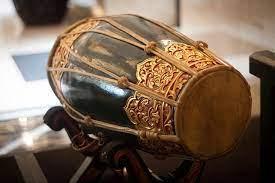 Alat musik harmonis adalah alat musik bernada , tetapi tidak bisa di bentuk. 18 Alat Musik Ritmis Dan Kegunaannya Bukareview
