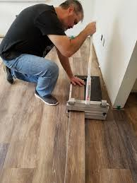 how to easily cut wood plank flooring
