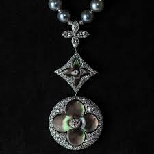 louis vuitton jewelry. louis vuitton blossom high jewellery mother-of-pearl necklace jewelry