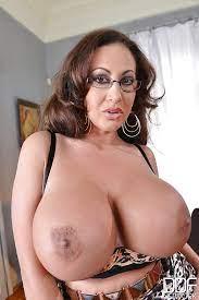 Big Tit Brunette Latina