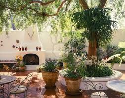 spanish patio patio tiles courtyard