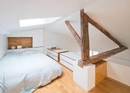 Mobili e armadi nella camera da letto in mansarda mansarda.it