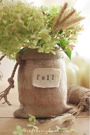 Burlap Vase | 22 Festive Burlap Decorating Ideas To Make This Autumn Season
