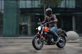 first ride ducati scrambler sixty2 review visordown cars for