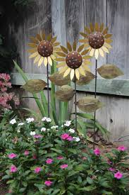 Decorative Metal Yard Signs Trio Of Metal Sunflowers Hand Made Decorative Garden Art Stakes 61
