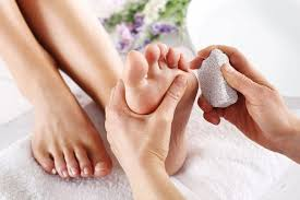 How to Treat Peeling Skin on Feet | LIVESTRONG.COM