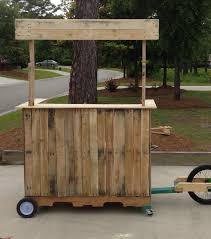 Bar Made Out Of Pallets Mobile Lemonade Stand Bar Made From Pallets Reuse Pinterest