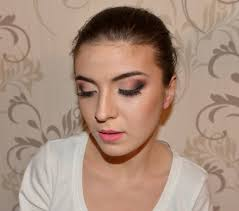 finishing the makeup tutorial of a for a makeup for wedding and enement party