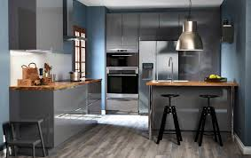 grey kitchen cabinet with glass ceramic cooktop and drawers also kitchen island with barstools under