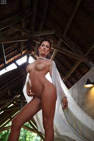 Isabell Horn dt. serbische Schauspielerin sexy Pinterest.