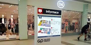 interiérová LED reklama v obchodním domě