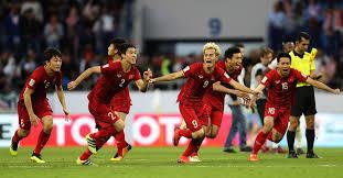 Các đội tuyển bóng đá quốc gia việt nam có nhà tài trợ vận chuyển đường không. Bao NÆ°á»›c Ngoai Ca Ngợi Sá»± Trá»—i Dậy Của Bong Ä'a Việt Nam