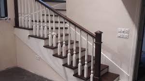 Втора употреба в момента стълбата е разделена на две за да може да се изкара. Drveni Parapeti Za Stlbisha Mebeli Ot Drvo Mejd In Sofiya Proizvodstvo Na Mebeli Ot Drvo Po Porchka
