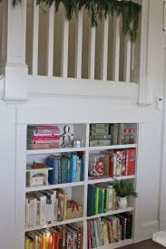 Sweet cookbook storage by color. Love the cookie cutter.