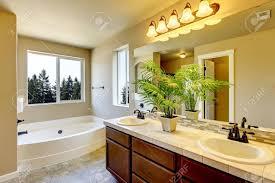 Neue Heimat Badezimmer Interieur Mit Dusche Und Badewanne