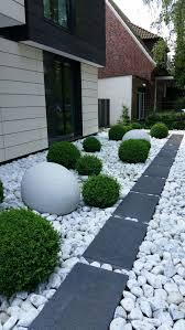 modern front yard decor ideas