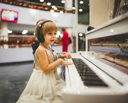 The intro consists of em, d, c, a, bm, em, and g. 5 Easy Piano Songs To For Kids Beginners With Letters