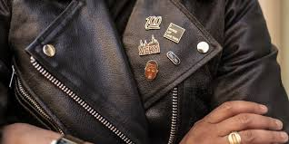 how to wear pins