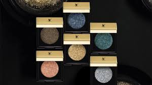 <b>Тени Sequin Crush</b>, <b>YSL</b> Beauty, 3200 рублей, yslbeauty.com.ru ...
