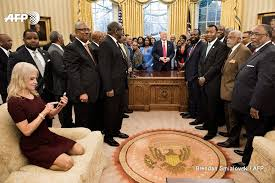 oval office furniture. Kellyanne Conway Kneeling White House Couch Oval Office Furniture