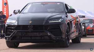The most seats any modern day ferrari has is 4, while the lamborghini urus suv can hold 5 depending on your backseat options. Watch Two Audi Q7s Uhh We Mean A Lamborghini Urus And Porsche Cayenne Turbo Drag Race Top Speed