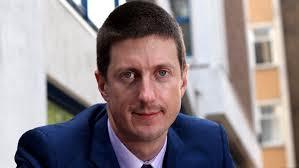 Robert Chote announces economic growth. Jobs reprieve but inflation set to soar. 2010-11-30 00:00:50.682 - Robert_Chote_announ_160196a