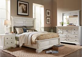 Claymore Park Off-White 8 Pc King Panel Bedroom | Bedroom Ideas ...